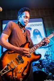 Pierre Moore, cantante y guitarrista de John The Conqueror, Hika Ateneo, Bilbao. 2014