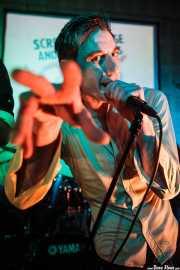 Screaming George, cantante de Screaming George & The Hustlers, en el Fuzz in the City 2014, Bilbao