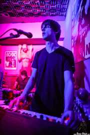 Alessio Lonati, teclista y guitarrista de Miss Chain & The Broken Heels, Umore Ona, 2014