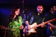 Sara Iñiguez, de The Magic Teapot y Pit Idoyaga y Juan Uribe, de The Fakeband, Santana 27, 2014