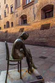 Estatua en la Via IV Novembre, Via IV Novembre, 12, 2014