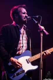 Guillermo Gutiérrez, cantante y guitarrista de Los Brazos, Kafe Antzokia, 2014