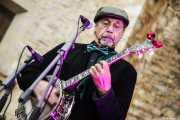 Peter Davis, banjo de Doc Scanlon's Hot 4, Gastroswing - Machete, 2014