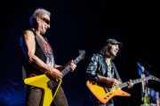 Rudolf Schenker y Matthias Jabs, guitarristas de Scorpions, Azkena Rock Festival, 2014