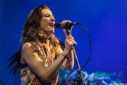"Ellie Fletcher ""Kyiki"", cantante de Crystal Fighters, Bilbao BBK Live, 2014"