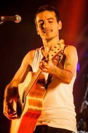 David Ruiz -cantante y guitarrista- de La Maravillosa Orquesta del Alcohol (La M.O.D.A.), Bilbao BBK Live, 2014