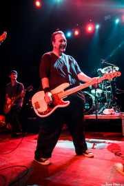 Steve Soto -bajista- y Joe Harrison -guitarrista- de Adolescents, Kafe Antzokia, 2014