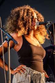 Tonysha Nelson, cantante de George Clinton's Parliament Funkadelic, Donostiako Jazzaldia - Zurriola, 2014