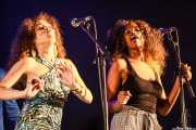 Kendra Foster y Tonysha Nelson, cantantes de George Clinton's Parliament Funkadelic, Donostiako Jazzaldia - Zurriola, 2014