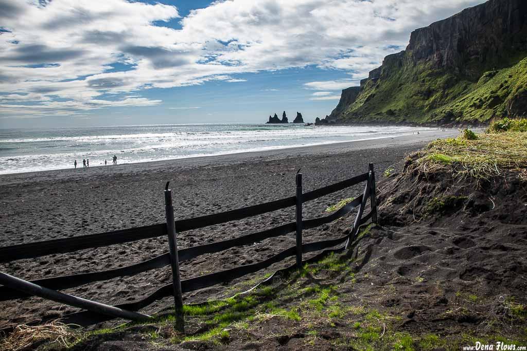 Playa de arena negra de Vík í Mýrdal, Islandia, 2014