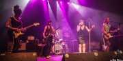Nagore Martínez Jauregi -guitarrista-, Nerea Argaluza -bajista-, Aiala Etxaburu -baterista-, Inge Isasi -cantante- y Leire Heras-Gröh -guitarrista, teclista y cantante- de Moon Shakers