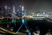 Espectáculo de luces visto desde la piscina infinita del Marina Bay Sands ( Moshe Safdie. 2010) (17/09/2014)