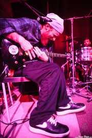 Freddie J IV -cantante y guitarrista- y Pete Dio -baterista- de Left Lane Cruiser (10/10/2014)