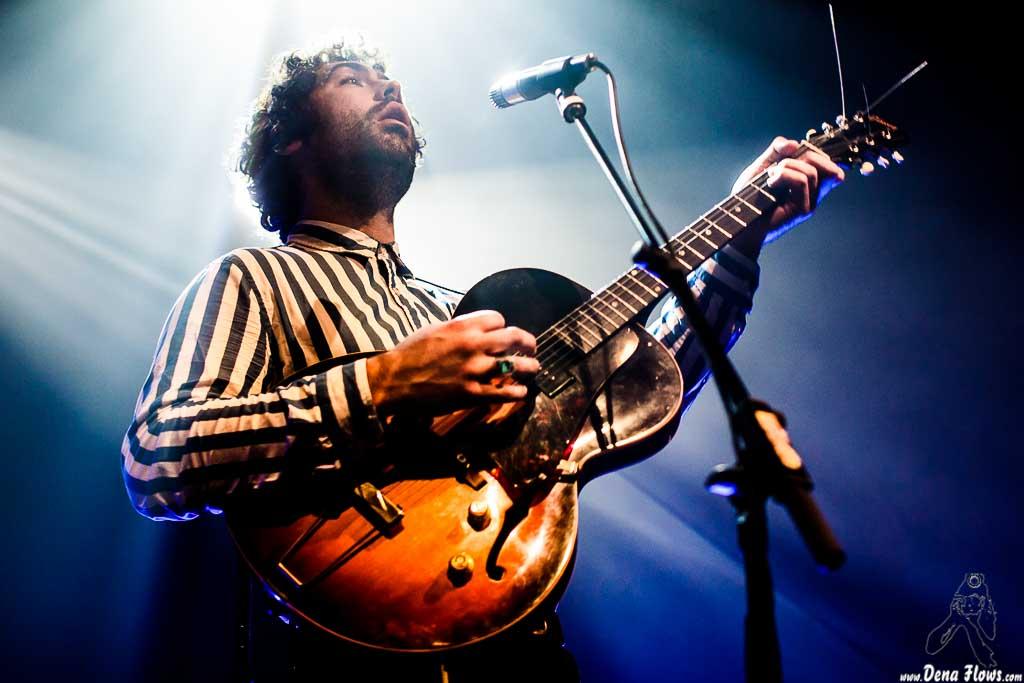 Miles Michaud, cantante y guitarrista de Allah-las, Kafe Antzokia. 2014. Pinchar para ir a la galería completa
