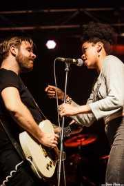 Matt Hill -guitarrista- y Nikki Hill -cantante-, Ficoba. 2014