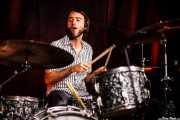 """Roberto Lozano """"Loza"""", baterista (en la gira española) de The Mastersons, Kafe Antzokia. 2014"""