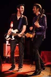 Danilo Foronda -bajista- y Ernesto García -guitarrista- de The Allnighters, Sala Cúpula (Teatro Campos Elíseos). 2014