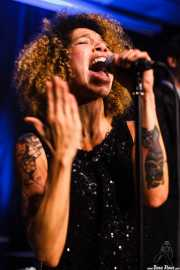 Ciara Thompson, cantante de The Buttshakers, Kafe Antzokia. 2014
