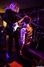 Rajinder Kumar -cantante- y Tomas Gons -guitarrista- de The Drip Dry Man & The Beat Revolver, Satélite T. 2014
