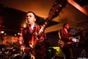 Neil Scott Fromow -baterista-, Glenn Ian Page -guitarrista y cantante- y Steven Brian Huggins -bajista- de The Len Price 3, Purple Weekend Festival. 2014