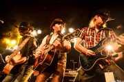 Alex Gunslinger -cantante y guitarrista-, Alberto García Sánchez -bajista- y David Barrios -guitarrista- de Carbayo de Carbayo, CAEM - Sala B. 2014