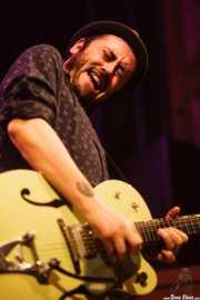 Txus Maraví, guitarrista de El Drogas, Kafe Antzokia, Bilbao. 2015