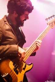 Lando Stone, bajista de Rubia, Kafe Antzokia, Bilbao. 2015