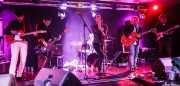 Diego Von Hustler -guitarra-, Albert Hustler -bajo-, Ilargi Agirre -batería-, Screamin' George -voz y armónica-, James Hustler -guitarra- y Javi de Hustler -guitarra- de Screamin' George & The Hustlers, Santana 27, Bilbao. 2015