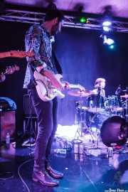Jon Aguirrezabalaga -guitarra invitado- e Ilargi Agirre -batería- de Screamin' George & The Hustlers, Santana 27, Bilbao. 2015