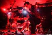 Diego Von Hustler -guitarra- y Screamin' George -voz y armónica- de Screamin' George & The Hustlers, Santana 27, Bilbao. 2015