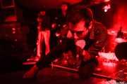 Diego Von Hustler -guitarra-, Albert Hustler -bajo- y Screamin' George -voz y armónica- de Screamin' George & The Hustlers, Santana 27, Bilbao. 2015