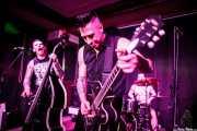 Colin the Dead -contrabajo-, Rene D La Muerte -voz y guitarra- y Phil the Beast -batería- de The Brains, Kafe Antzokia, Bilbao. 2015