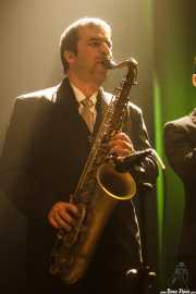 Hugo Lopes, saxofonista de TT Syndicate, Kafe Antzokia, Bilbao. 2015