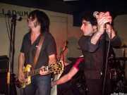 "Íñigo Agirrebalzategi -guitarra- y Ricardo Ibáñez ""Ricky"" -voz- de Dirty Jackets"