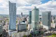 Rascacielos desde el mirador del PKiN: Złota 44 (Daniel Libeskind, 2013), InterContinental Warsaw (Tadeusz Spychała. 2003) y Varsovia Financial Center (A. Epstein & Sons, Kohn Pedersen Fox Associates, 1998) (29/04/2015)