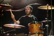 Dave Brent, baterista de Caves, Kafe Antzokia, Bilbao. 2015
