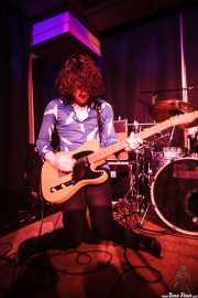 Conor Lumsden, guitarrista de The Paul Collins Beat, Kafe Antzokia, Bilbao. 2015