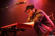 Kris Rodgers, cantante y pianista de Kris Rodgers & The Dirty Gems, CC Larratxo KE, Donostia / San Sebastián. 2015