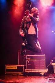 Zach Jones, guitarrista y cantante de Kris Rodgers & The Dirty Gems, CC Larratxo KE, Donostia / San Sebastián. 2015