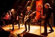 Pip Hoyle -teclado-, Rob Younger -voz-, Dave Kettley -guitarra-, Deniz Tek -guitarra-, Nik Rieth -batería- y Jim Dickson -bajo- de Radio Birdman, Kafe Antzokia, Bilbao. 2015