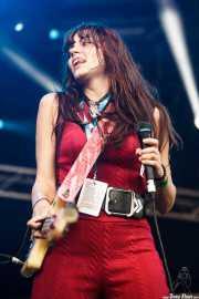 Delila Paz, cantante y bajista de The Last Internationale, Azkena Rock Festival, Vitoria-Gasteiz. 2015