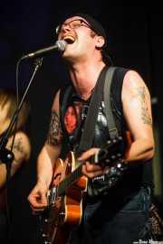 John Randall, cantante y guitarrista de The Hooten Hallers, Kafe Antzokia, Bilbao. 2015