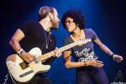 Matt Hill -guitarra- y Nikki Hill -cantante-, BluesCazorla - Plaza de toros, Cazorla. 2015