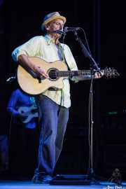 John Hiatt, cantante. guitarrista y armonicista de John Hiatt & The Combo, BluesCazorla - Plaza de toros, Cazorla. 2015