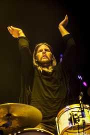 Arnar Rósenkranz Hilmarsson, baterista de Of Monsters and Men, Bilbao BBK Live, Bilbao. 2015