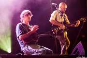 John Franks -voz y guitarra, aquí con el ukelele- y Josu Aguinaga -guitarra- de Smile, Mundaka Festival, Mundaka. 2015