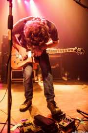 Edorta Apraiz, guitarrista y cantante de Tooth, Kafe Antzokia, Bilbao. 2015