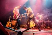 Adam Gimbel -bajo-, Pat Beers -voz y guitarra- y Letty Beers -batería- de The Schizophonics, Kafe Antzokia, Bilbao. 2015
