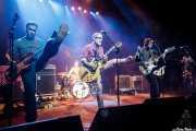 """Adam Gimbel """"Little Adam"""" -bajo-, Robert Lopez (El Vez) """"Little Robert"""" -voz y guitarra-, Letty Beers """"Little Lety"""" -batería-, Pat Beers """"Little Pat"""" -guitarra, voz y teclado- y Justin Cota """"Little Justin"""" -guitarra y voz- de The Little Richards, Kafe Antzokia, Bilbao. 2015"""