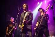 Mick Geggus -guitarra-, Sulo -voz y guitarra- y Dave Tregunna -bajo- de The Crunch, Kafe Antzokia, Bilbao. 2015